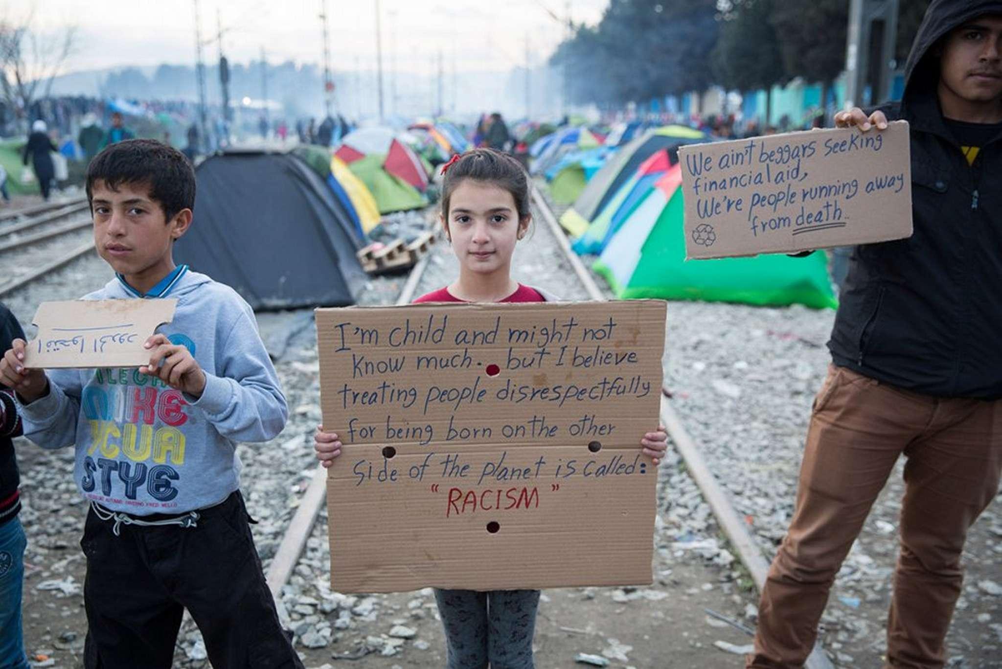 refugiados-denuncia-social-racism